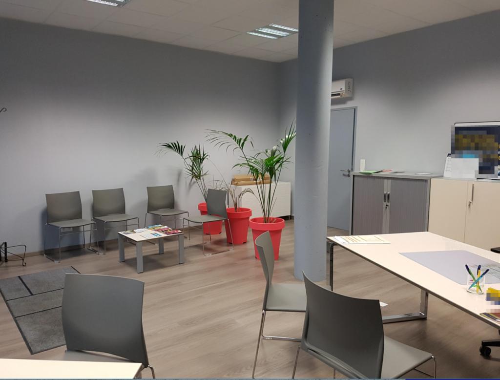 7719 - Local 75 m² Intérieur 2
