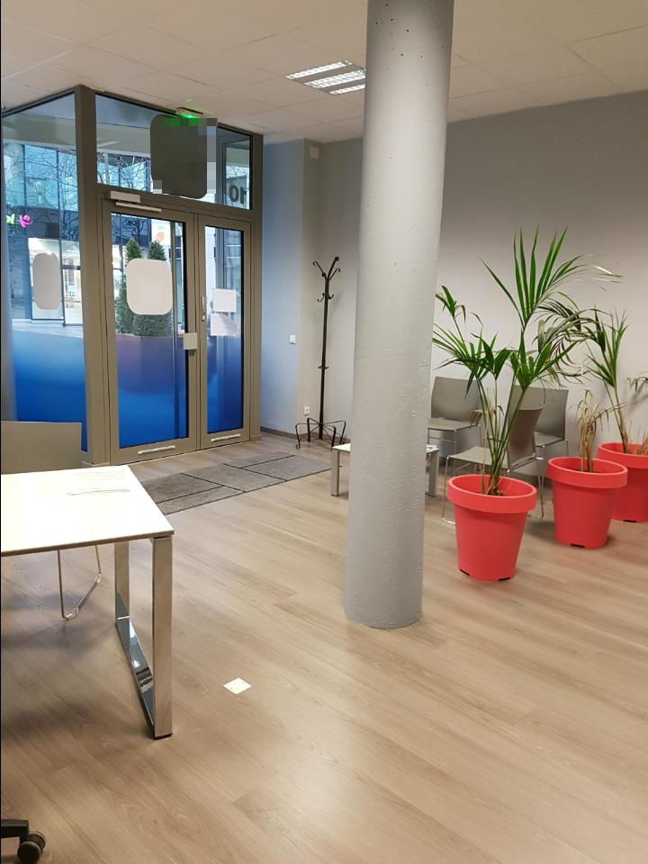 7719- Local 75 m² - Intérieur 1